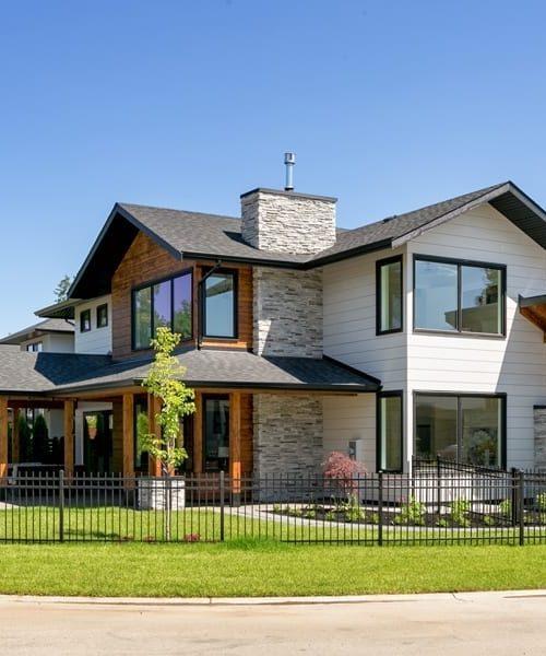 contemporary-log-home-canada-exterior